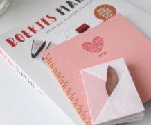 Boek 'Boekjes maken' en zelfgemaakte boekjes