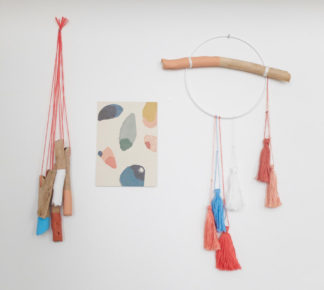 DIY with pieces of wood and tassels by Appelzee