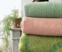 Vintage blankets in green and pink