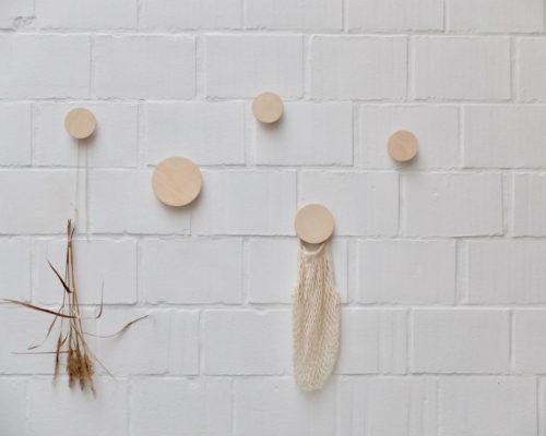 Ronde houten wandknoppen in naturel