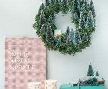 DIY kerstkrans met mini-kerstboompjes - Villa Appelzee
